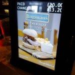 Forge-World-Open-Day-2016-14-Bugmans-Bar-Titan-Burger